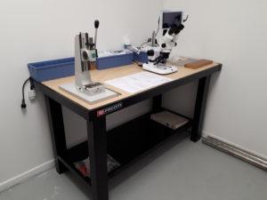 Assembly area Hand press & trinocular